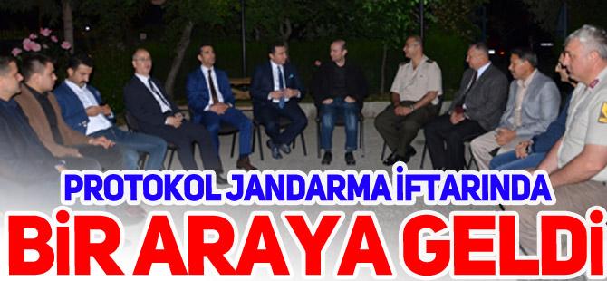 PROTOKOL JANDARMA İFTARINDA BİR ARAYA GELDİ