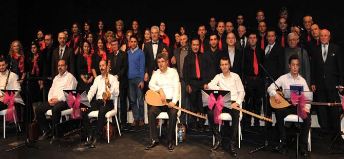 Bozüyük Halk Eğitim Merkezi Türk Halk Müziği Korosu'ndan unutulmaz konser