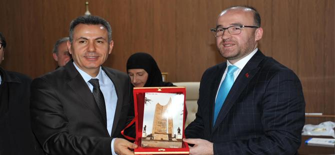 Başkan Yardımcısı Hayrettin Eldemir Muhtarlar ile birlikte Vali Elban'ı ziyaret etti