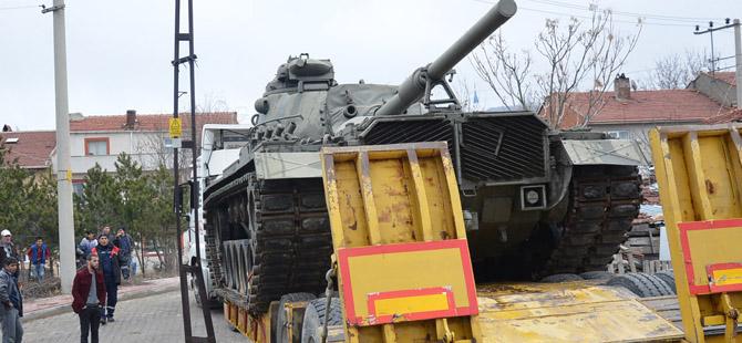 Tarihi Tank Müzedeki Yerini Aldı