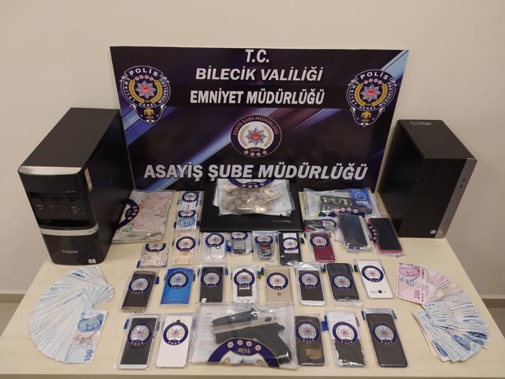 Fuhuş Operasyonunda 8 Kişi Tutuklandı