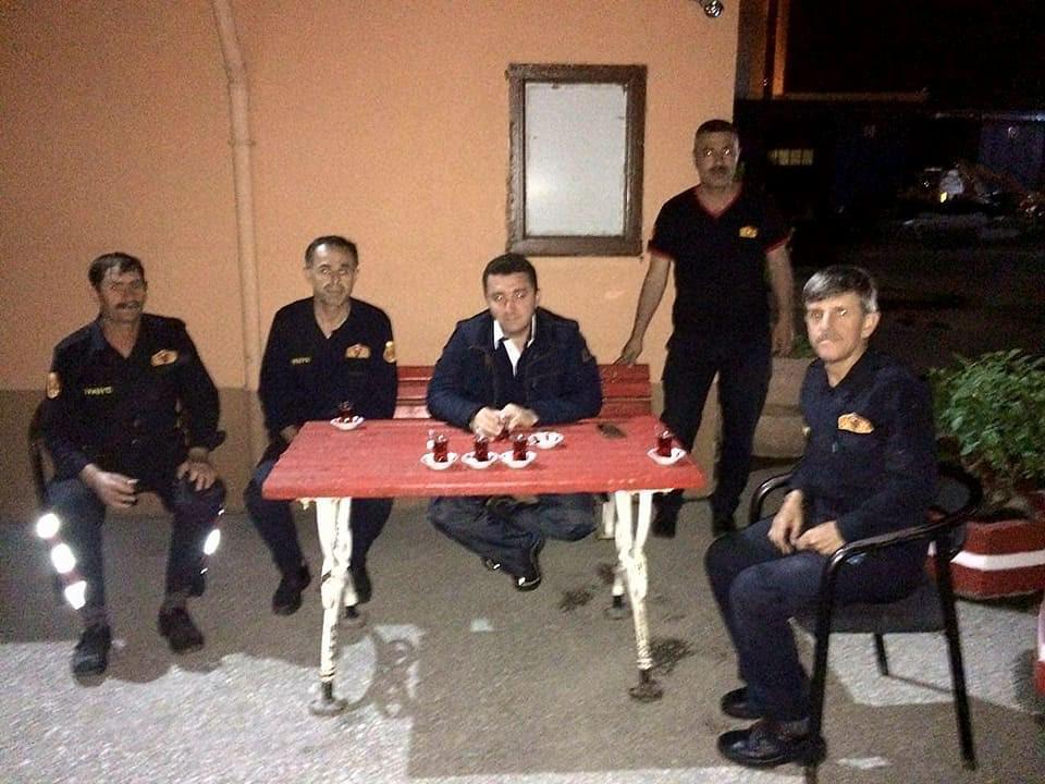 baskan-bakici-iftar-sonrasi,-polis-ve-itfaiyecileri-ziyaret-etti8.jpg