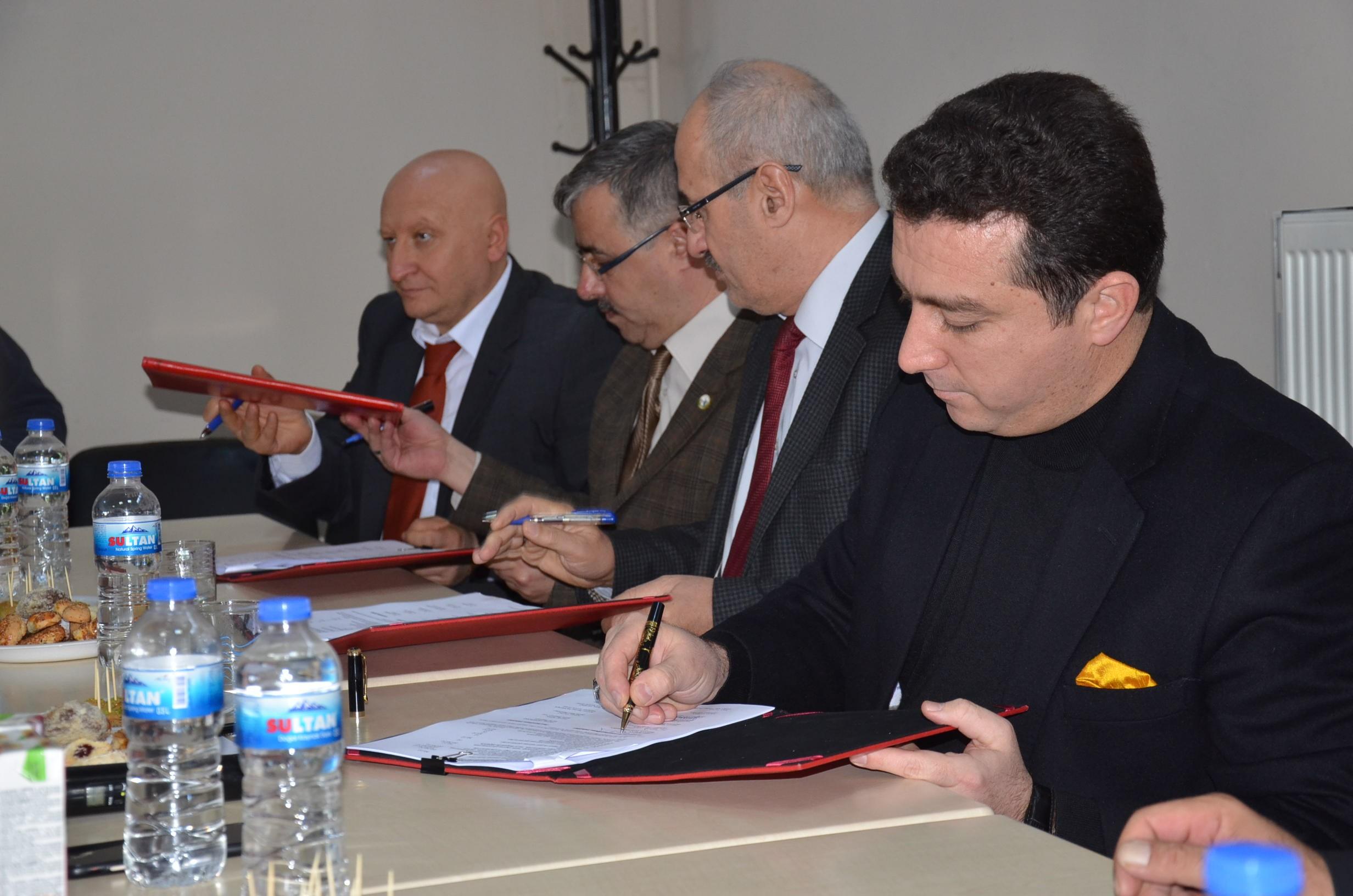 bozuyuk-belediyesi'nde-2-yillik-toplu-is-sozlesmesi-imzalanditr.jpg